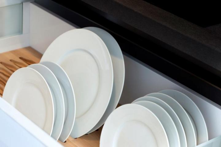 подредени по размер чинии